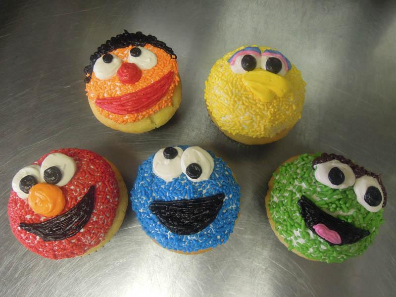 elmo-cupcakes
